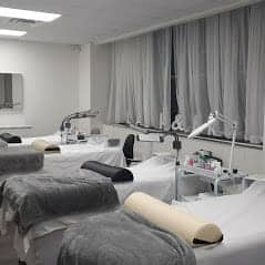 Interior or our eyelash extension salon in Montreal
